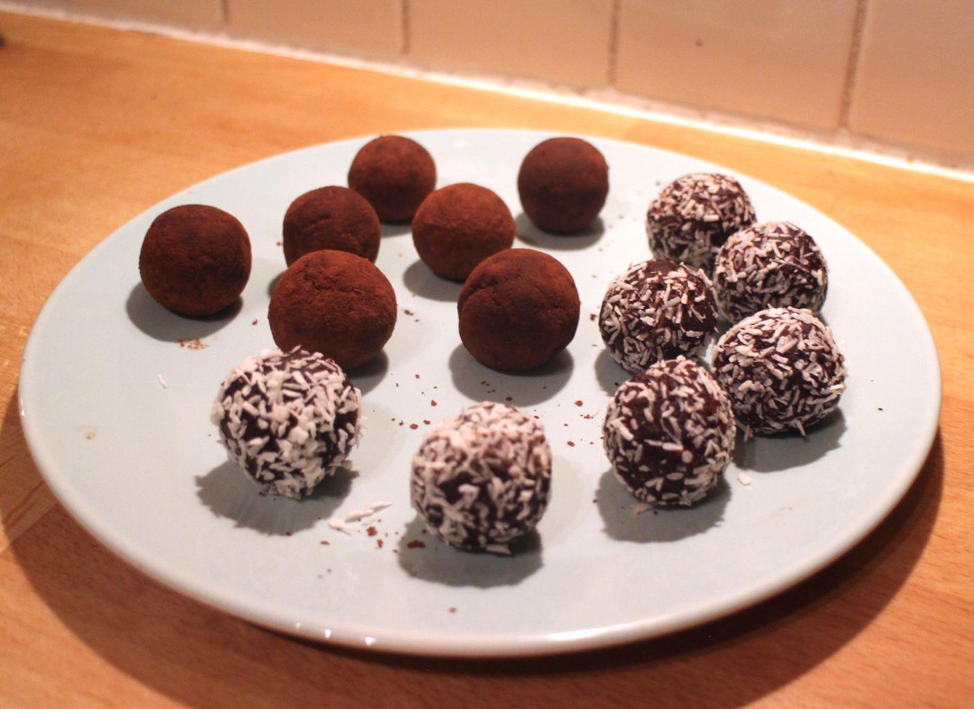 Recipe: Raw Cocoa Date & Hazelnut Truffles - Style Lobster