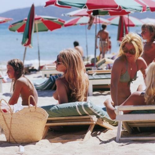 Slim-Aarons_Saint-Tropez-Beach-500x500-1413541093